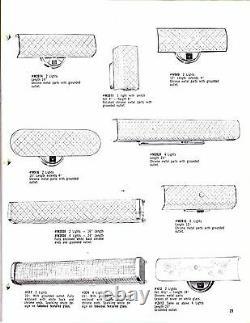 1965 NEW VINTAGE White BATH Wall 2-Light Fixture CONVENIENCE OUTLET Puritan NOS